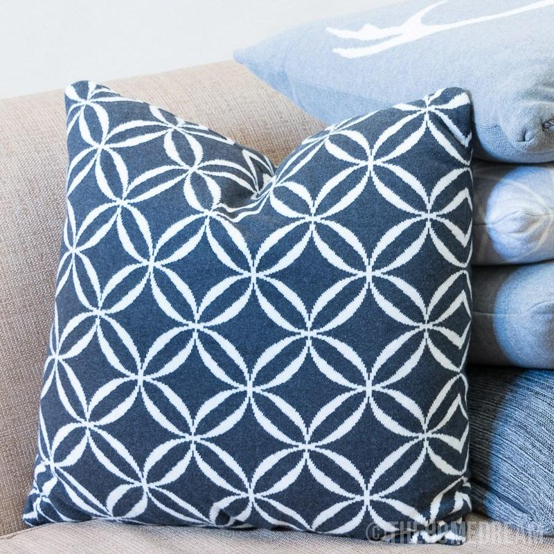 CIRCLES Black & White Knitted Cotton Square Cushion Cover