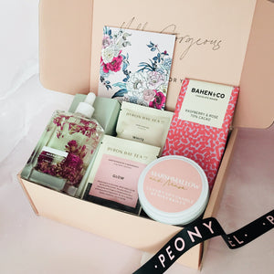 LUXURY SELF CARE GIFT BOX
