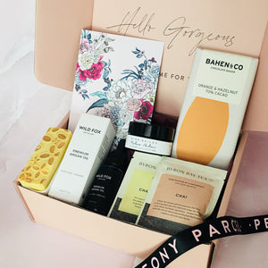 UNWIND AND RECHARGE LUXURY PAMPER GIFT BOX