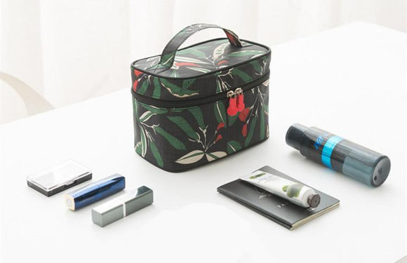 Leaf Patterned Travel Cosmetic Organizer Bag