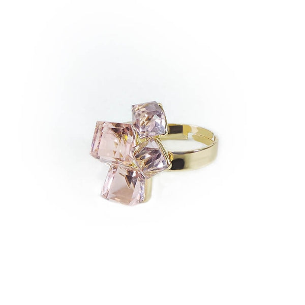 PEACHY CUBES FINGER RING