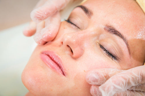 Advanced Aromatherapy Facial - Cher-Mere