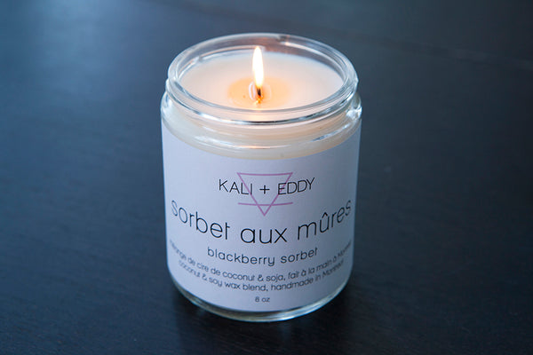 Sorbet aux mûres, chandelle cire de coco et soja. Black berry sorbet, coconut and soy candle