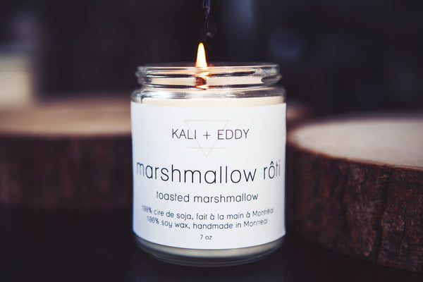 Marshmallow rôti, chandelle 100% cire de soja. Roasted marshmallow, 100% soy candle.