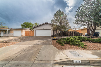 SOLD - 1720 Hiawatha Drive NE - Albuquerque - Our Client Saved About $4,000 in Commissions!