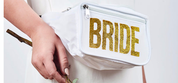 10 Gift Ideas for a Bride from her Bridesmaids