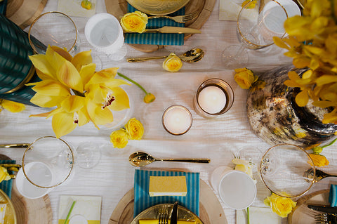 yellow-and-blue-wedding-table-decor