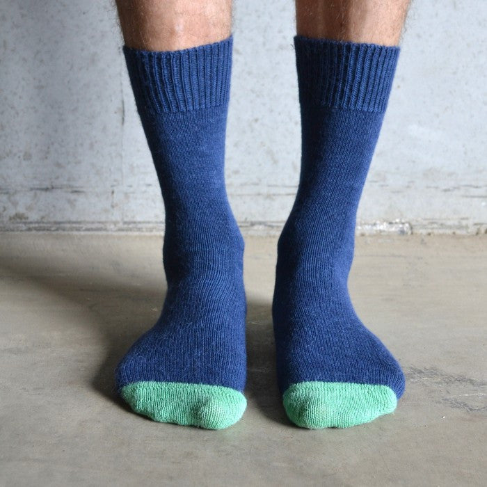 Tom Lane navy & green alpaca sock