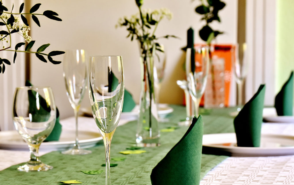 Green Table Runner And Napkins