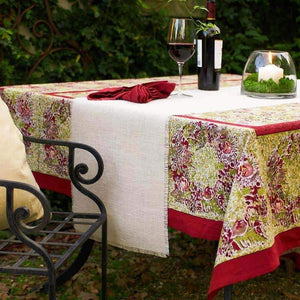 french_tablecloth_winter_garden_wreath_red_green_1