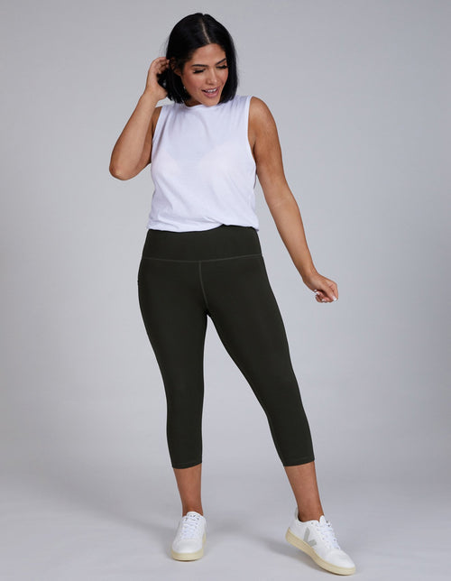 3/4 Legging Olive | Sustainable Activewear | Made From Plastic Bottles