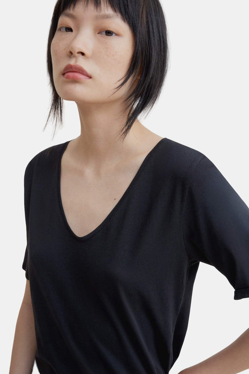 Kowtow V-Neck Tee Black | Organic Cotton | Ethical Basics | Eco Tops