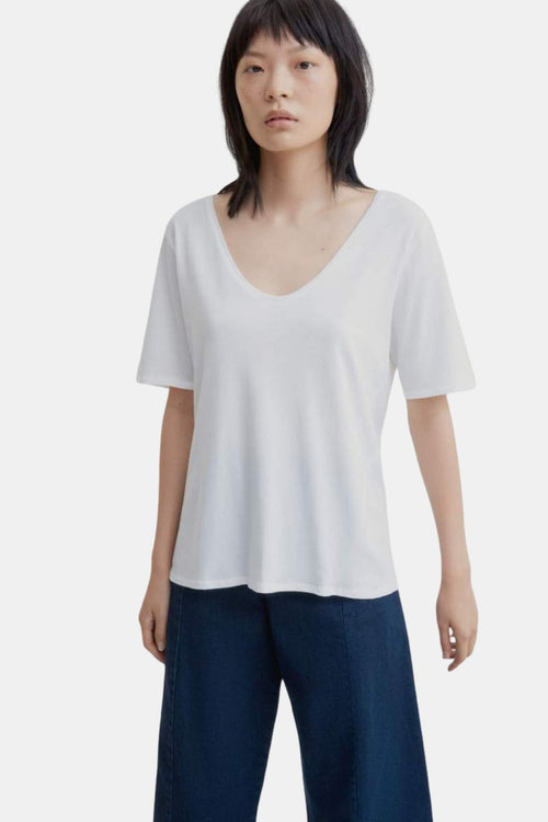 Kowtow V-Neck Tee White | Organic Cotton | Ethical Basics | Eco Tops