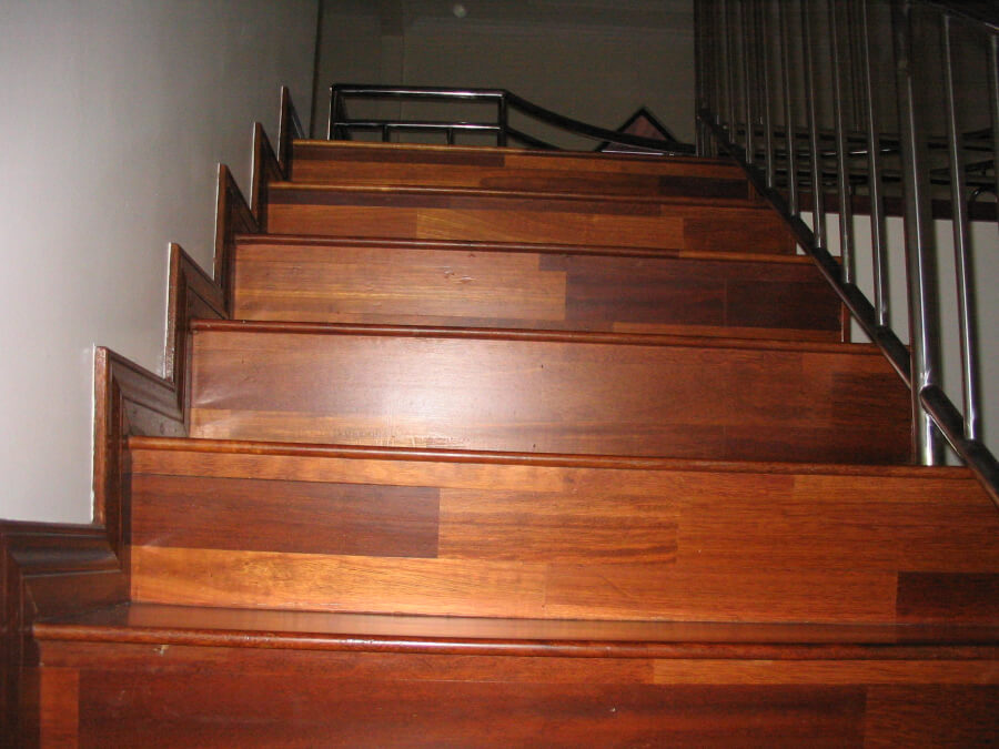 how to install oak stair treads