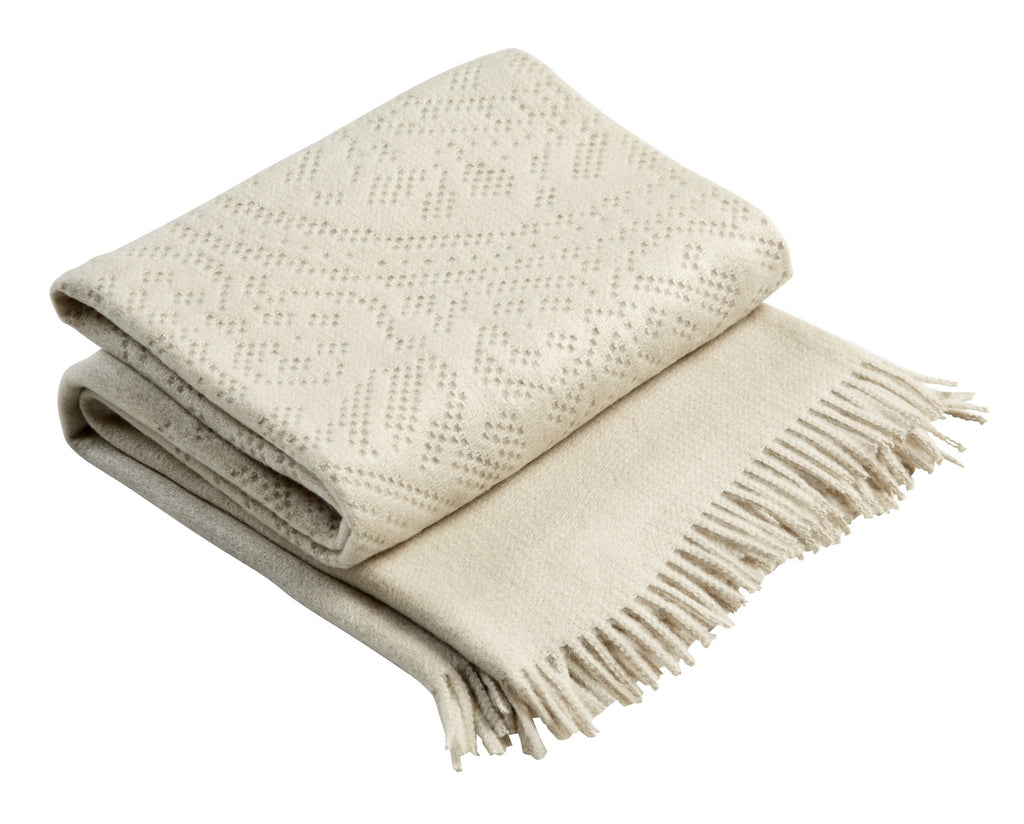 "Christy ""Lace"" Super Soft Throw - Linen Colour"