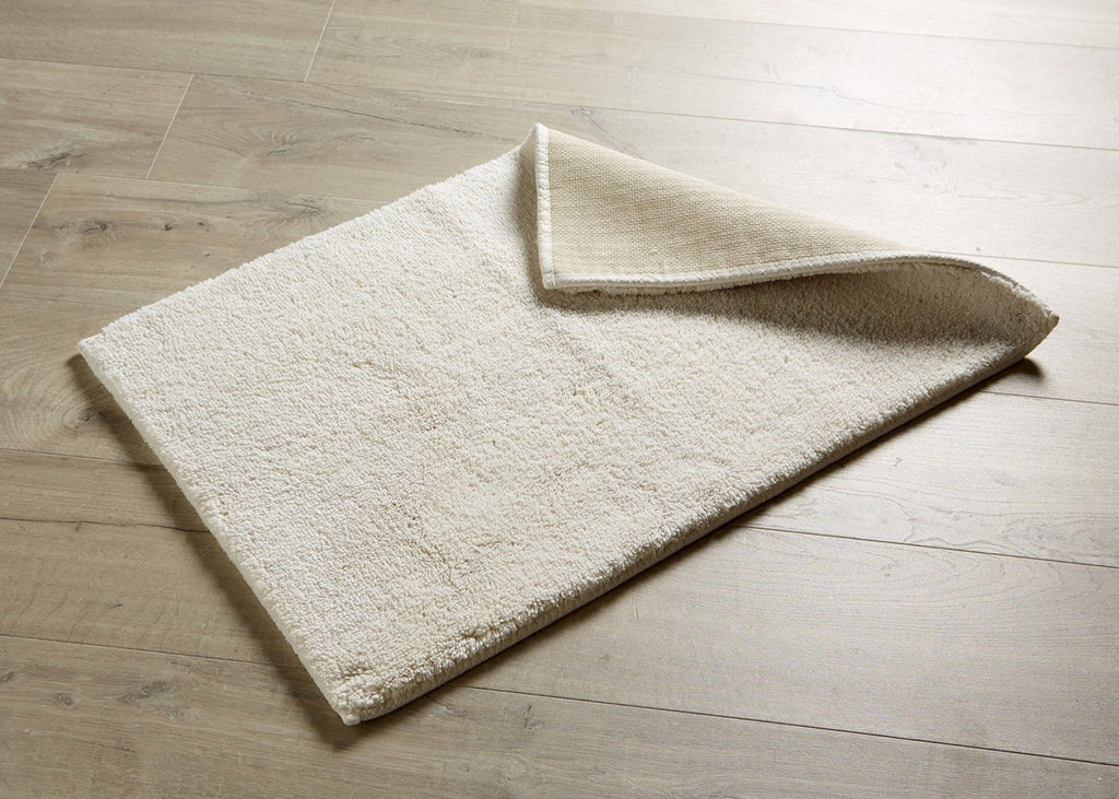 "Christy ""Deep Pile Rubber Back Tufted Bath Rug"" in Cream (Parchment)"