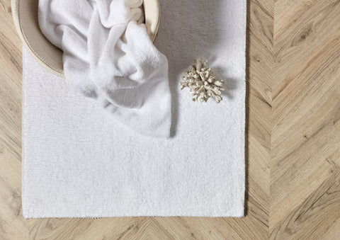 "Christy ""Reversible Bath Rug"" in White Colour"
