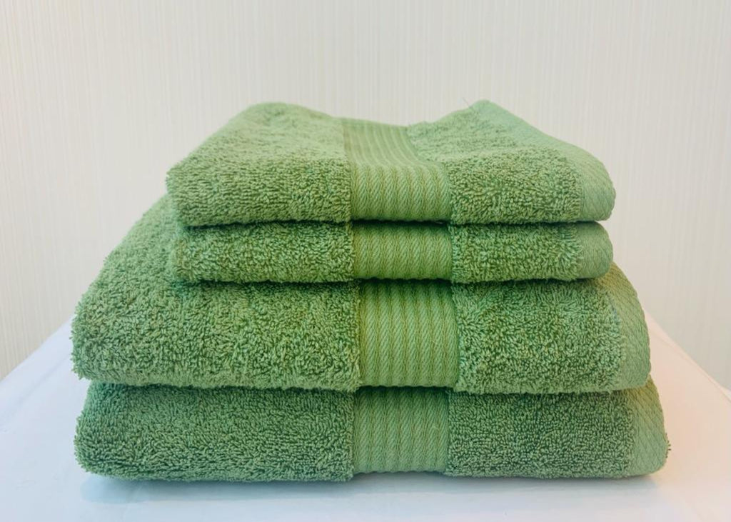 "NEW! - Dickies ""Deluxe"" Bath Towels in Leaf Green Colour"