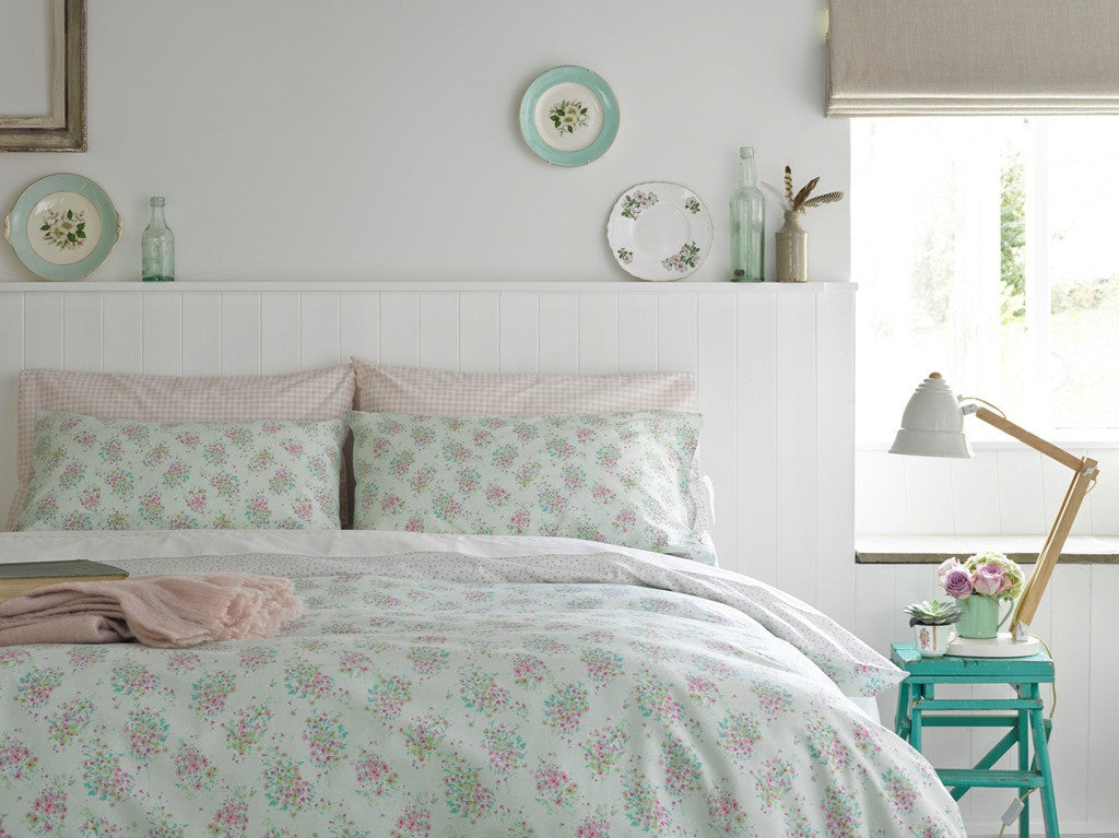 "Ditton Hill ""Dorothy"" Bed Linen - colour Mint"