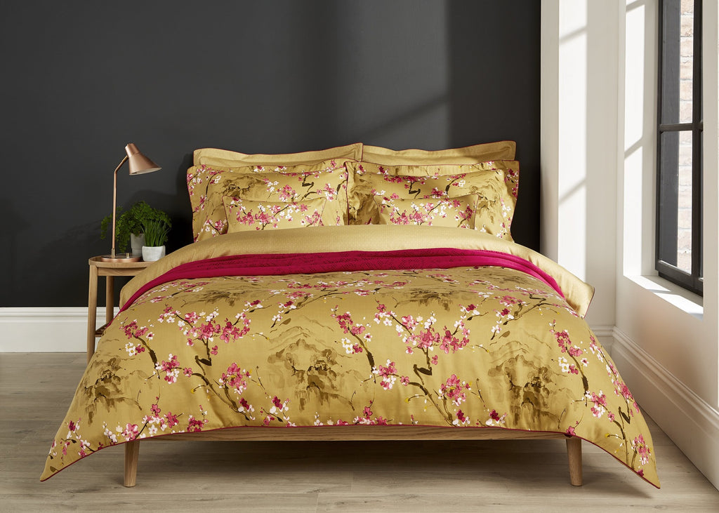 "Christy ""Haruki"" Bed Linen - Colour Pomegranate (Gold)"
