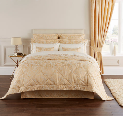 "Christy' Palermo"" Bedlinen - colour Rich Gold"