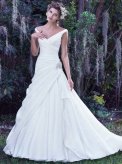 Elegant V Neckline Lace Up Wedding Dress white