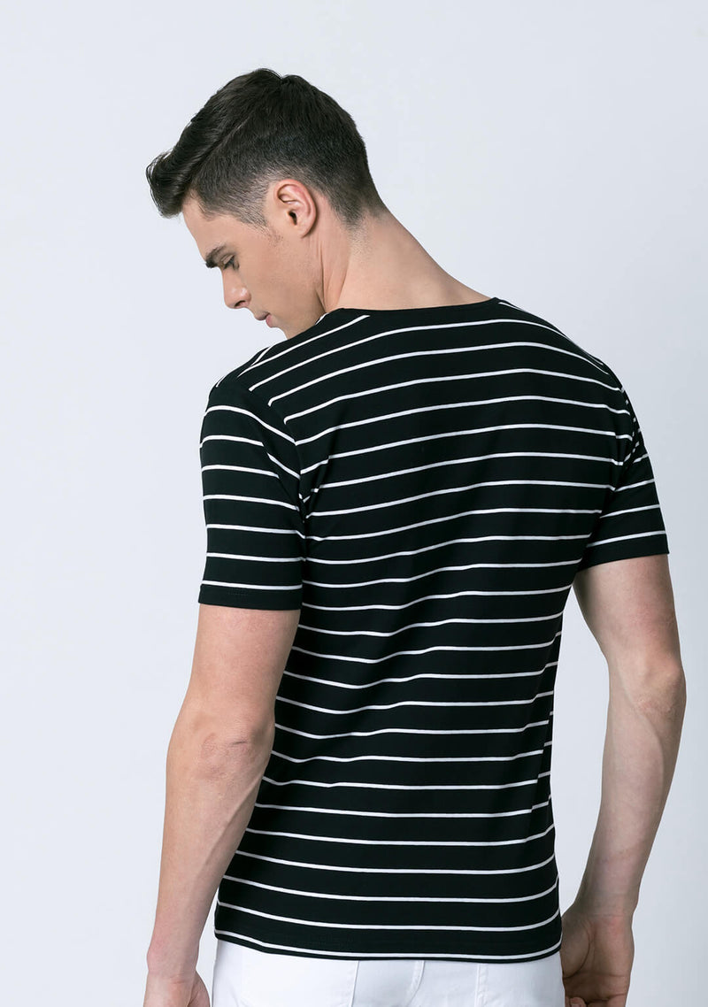 Stripe tee in Black & White Color