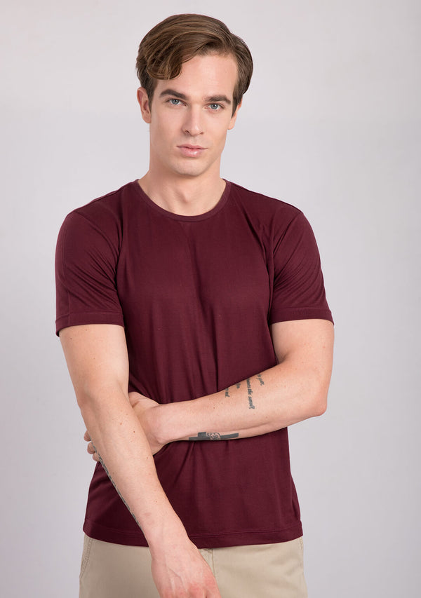 Crew neck t shirt in Burgundy colour