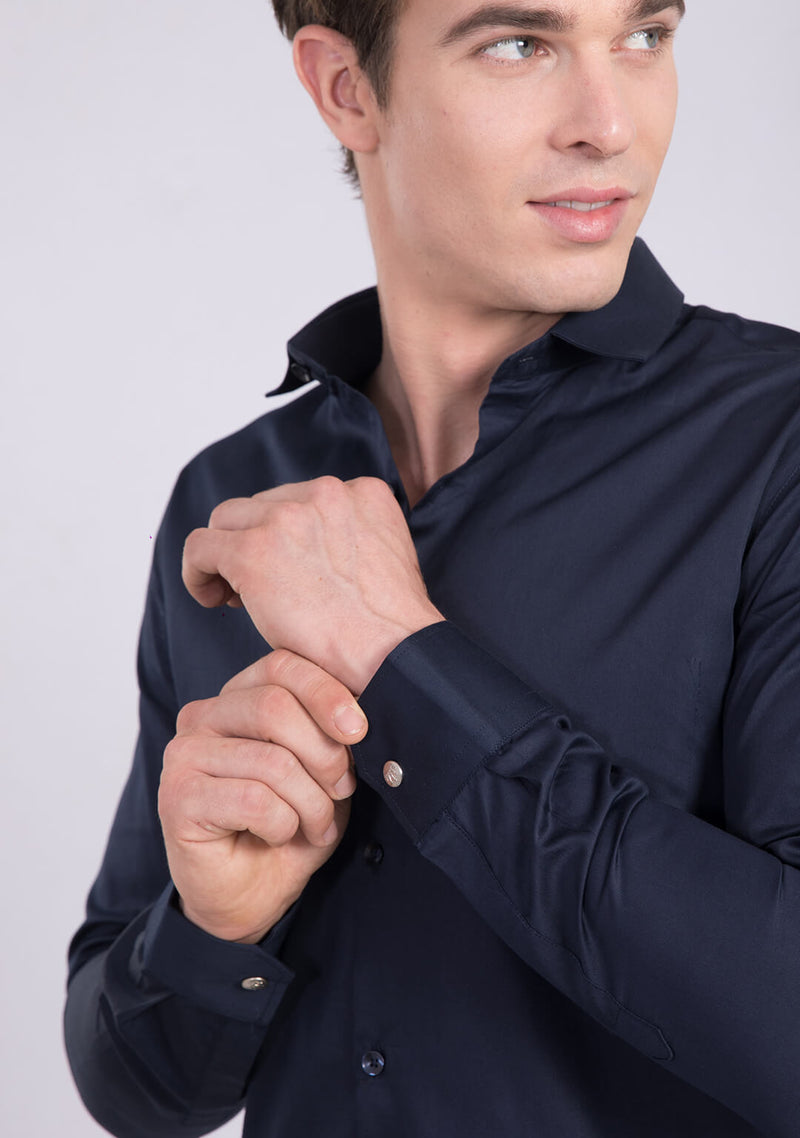 Classic Shirt in Navy Blue