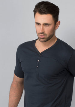Henley T-shirt in Midnight Navy