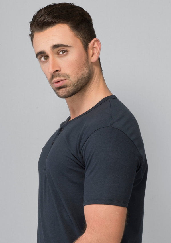 Henley T-shirt in Midnight Navy Online