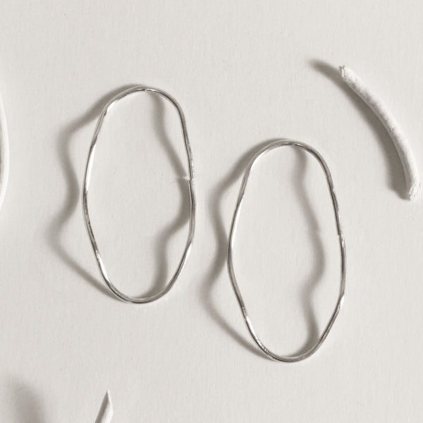 Oval Wave Hoops / Silver