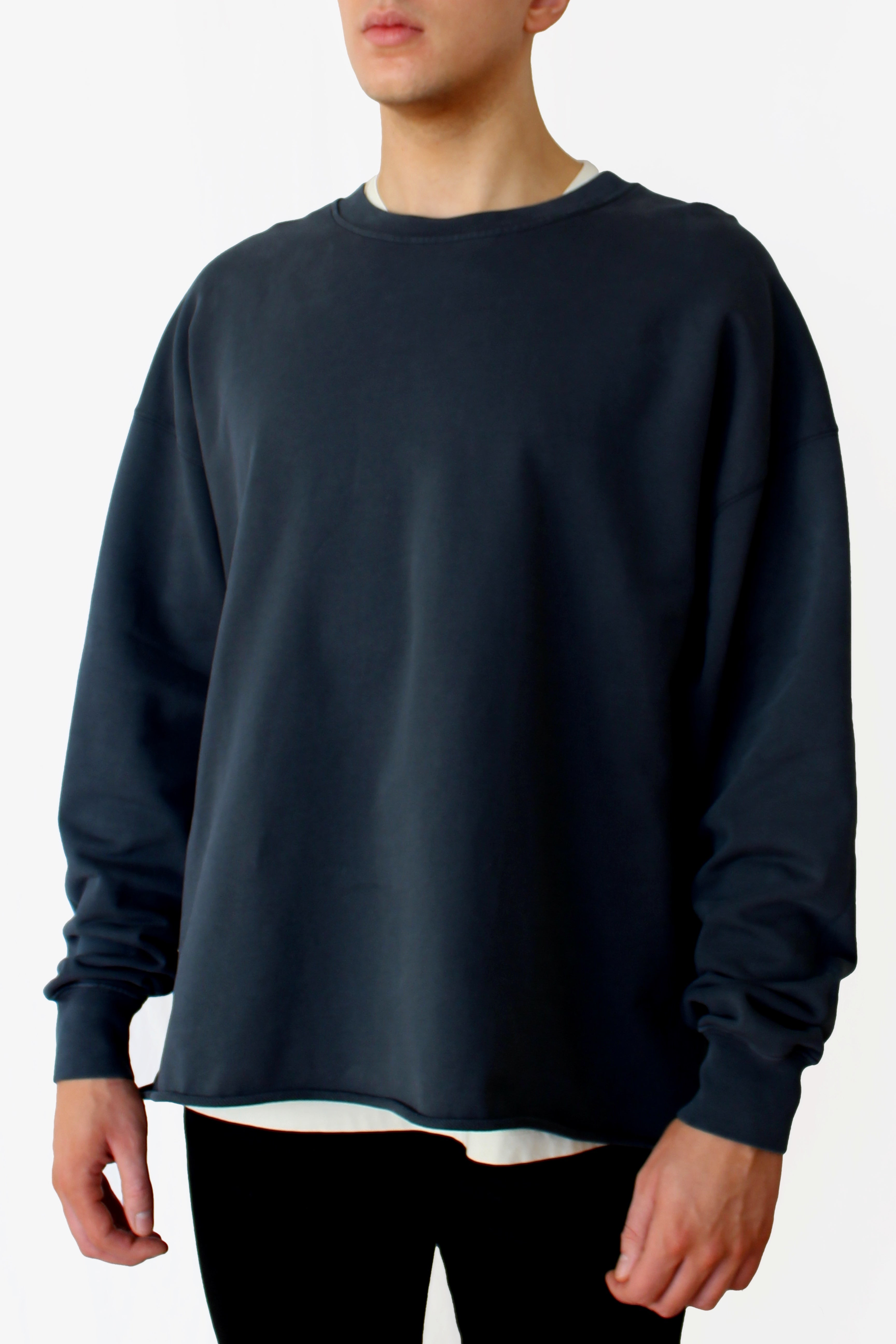 oversized raw-edge sweatshirt - nori black - Commun des Mortels