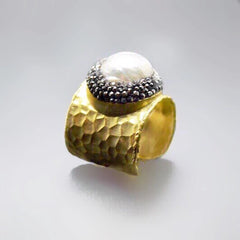 Pearl and Gold Ring Online