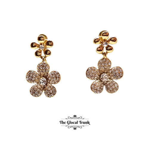 https://www.theglocaltrunk.com/products/dual-crystal-flower-dainty-earring