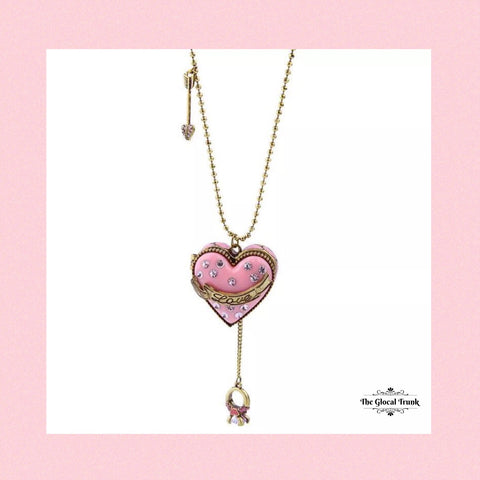 https://www.theglocaltrunk.com/products/heart-chain-locket-1