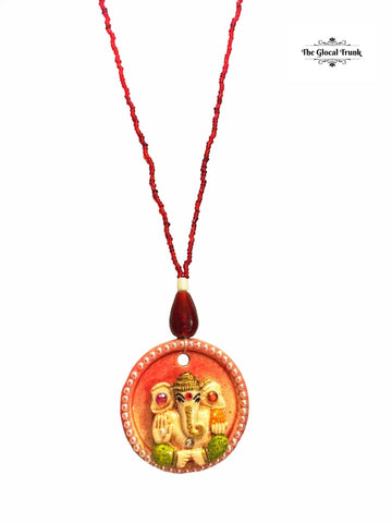 https://www.theglocaltrunk.com/collections/tgt-growth-buys-1/products/ganesha-engraved-pendant-necklace-red