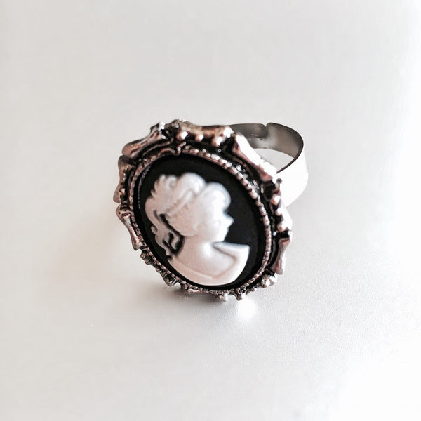 Cameo Ring Antique Silver/ White Ring