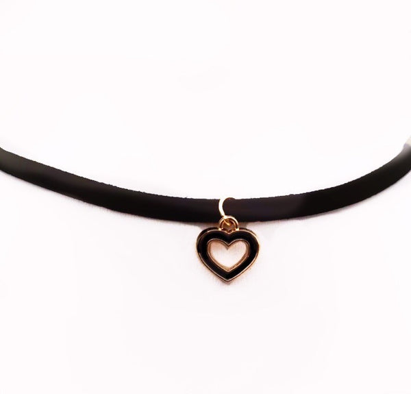 CHARMED HEART BLACK CHOKER