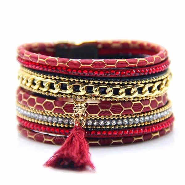 Clasp Me Leather Cuff Red
