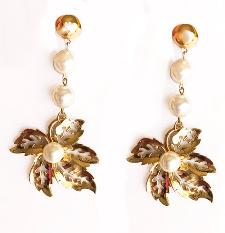 Palm Springs Pearl & Metal Dangler Earrings