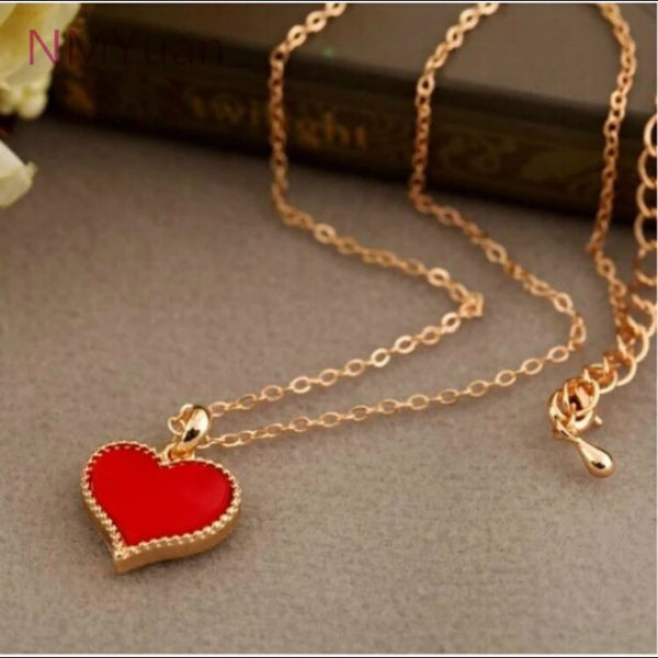 PETIT ENAMEL HEART PENDANT NECKLACE