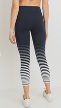 Graduated Striped Highwaist Capri Legging