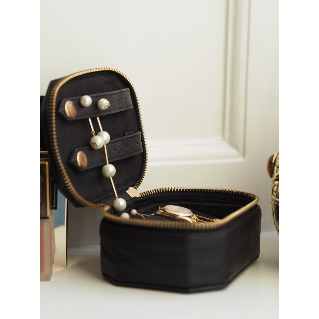 DEPECHE Medium jewellery box in leather Accessories 099 Black (Nero)