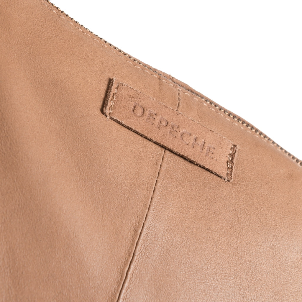 DEPECHE Medium shoulderbag in soft leather Medium bag 156 Camel