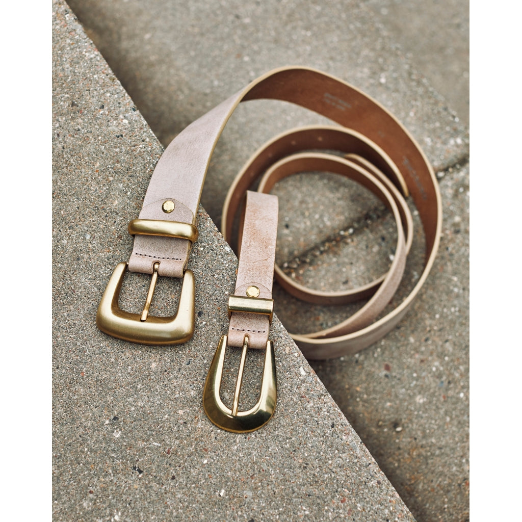 DEPECHE Wide leather belt with large buckle Belts