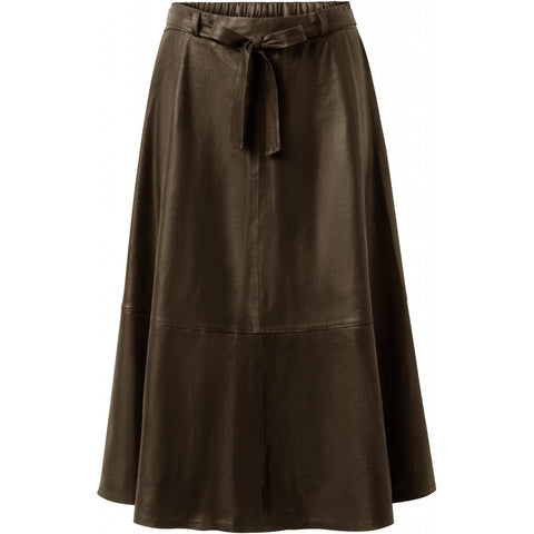 Long leather skirt with ruffles / 50222