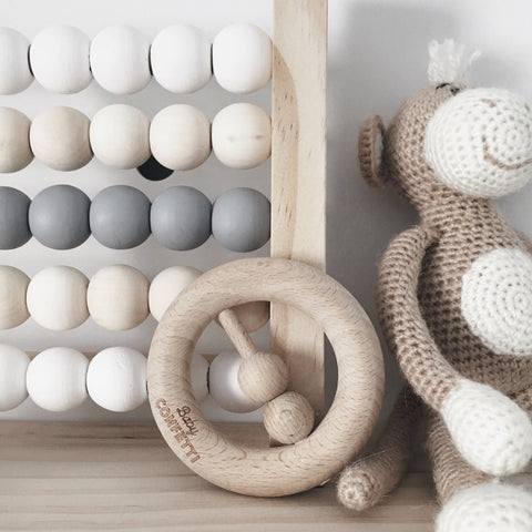 NATURAL BEECH WOOD RATTLE