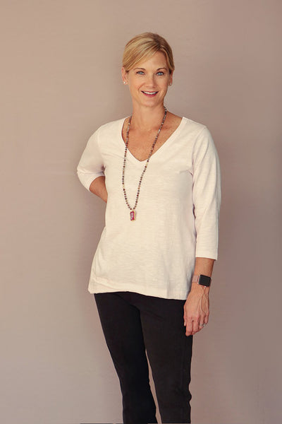 Three-Quarter Sleeve V-Neck Tee with Pocket in Pink Salt