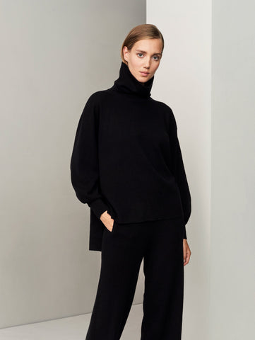 In the Form Turtleneck Sweater - Black - Movers & Cashmere